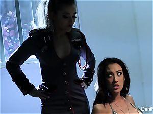 Bad lady Capri Cavanni gets penalized by Dani Daniels