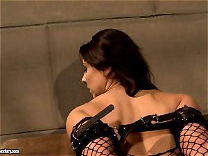 Mandy Bright do dildo insertion to a warm babe