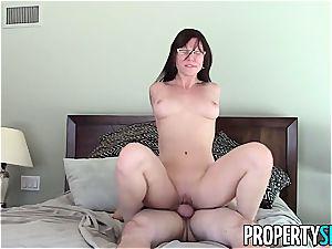 sugary Aidra Fox porks her naughty client