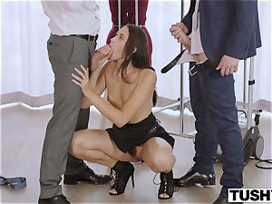TUSHY secretary Gets DP'd By manager And buddy