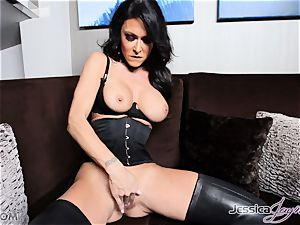 molten dark haired honey Jessica Jaymes messing with her twat