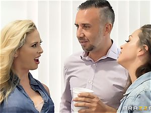 sex addicted babes Abigail and Cherie share Kierans big fuckpole