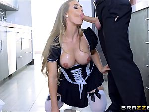 fucking molten torrid maid Nicole Aniston