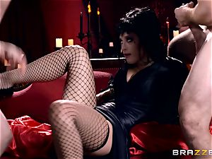 MMF tearing up for gothic babe Katrina Jade