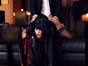 dark-hued haired Alison Tyler porks her suited lover