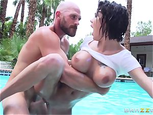 huge-chested Peta Jensen - sloppy fuck-a-thon by the pool