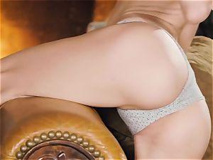 Jillian Janson plays with her tastey raw muffhole