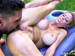 Alexis Fawx getting an outdoor fuck and rubdown