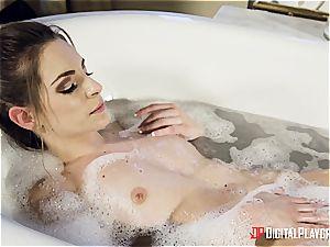 2 trendy honeys take an exotic bathtub
