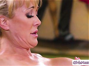 masseuse Jill Kassidy rubdown Brandi enjoy bod and slurps her raw snatch
