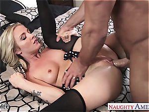 small jugged wifey Karla Kush gets facialized