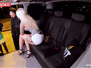 LETSDOEIT - fortunate cab Driver Bones two super-steamy Blondes