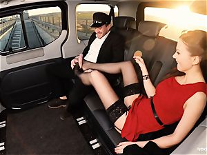 plumbed IN TRAFFIC - british Tina Kay boinked in the car