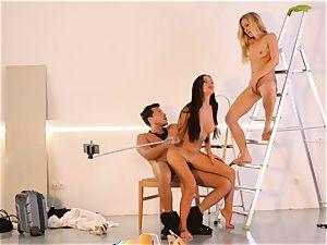 LOS CONSOLADORES - handsome Sasha Rose in super-hot 3some