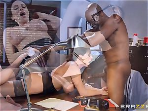 crazy office joy with Ariella Ferrera