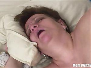 Bigtit immense Mama anal pummeled By youthfull manmeat