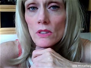 two cocks For fledgling GILF mommy