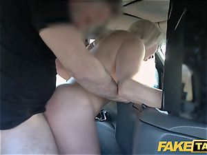 fake cab blond mummy Victoria Summers boned in a cab