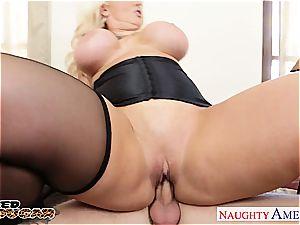 blond cougar Alura Jenson hop manstick