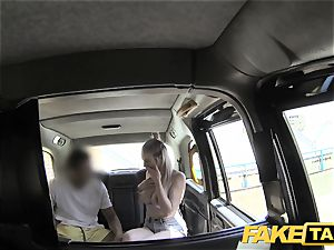 fake cab Cabby attempts luck on super-steamy blonde with meaty cupcakes