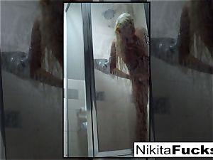 Nikita's super-sexy home movie