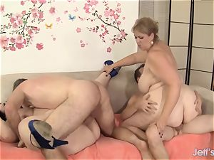 naughty plus-size fuck-fest with four plus-size babes